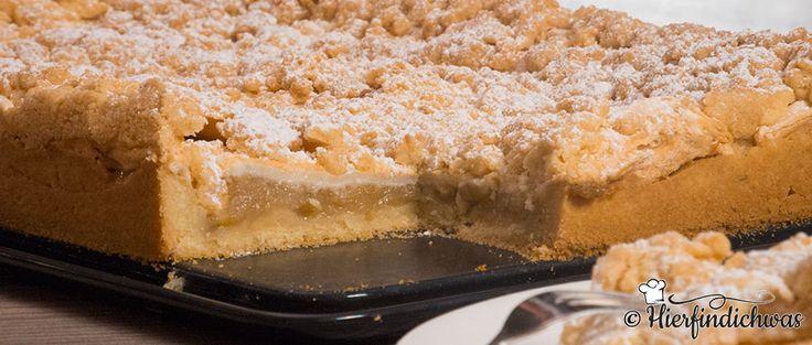 Der Apfelstreuselkuchen zeichnet sich besonders durch seine Knusprigkeit aus. Die Baiserschicht verhilft dem Apfelkuchen zu einer Kruste. Fruchtig würzig