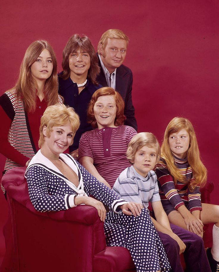 Susan Crough, Danny Bonaduce, Susan Dey, Shirley Jones. Brian Forster and David Cassidy in The Partridge Family, 1974