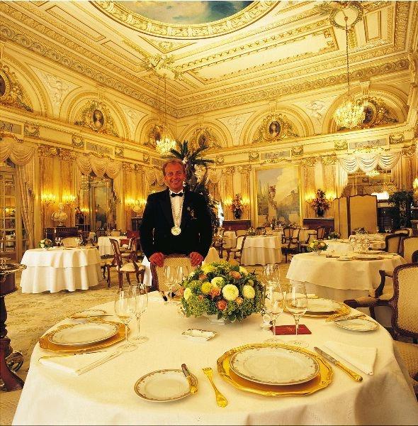 louis xv restaurant inside the hotel de paris chef alain ducasse h tel de paris monte carlo. Black Bedroom Furniture Sets. Home Design Ideas