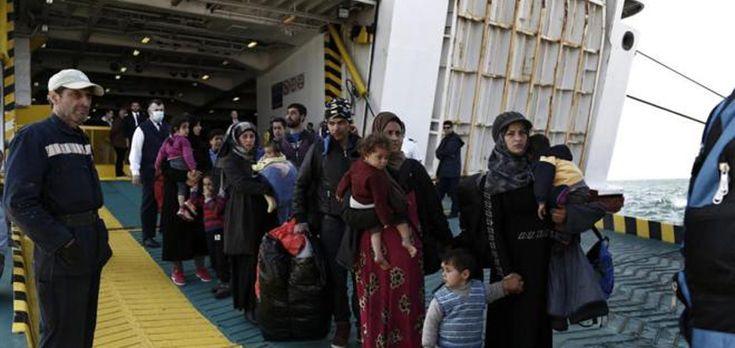 Grecia vacía campos de refugiados en Lesbos, pero siguen llegando - http://www.absolutgrecia.com/grecia-vacia-campos-de-refugiados-en-lesbos-pero-siguen-llegando/