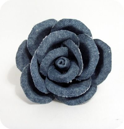 Tutorial & creative recycling: rose made of jeans! would be great on a hair clip…