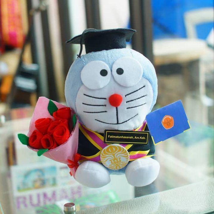 Grosir hadiah skripsi/ graduation Paket Doraemon Buket murah dan irit. Kado spesial teman, pacar, mantan, saudara, sahabat, adik, kakak, dll.
