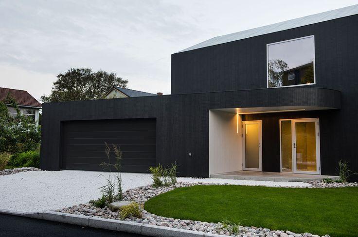 Singelfamily house  Built: 2015 Architect: Marita Hamre  Cladding: Accoya Windows: Ideal Combi Futura+ Doors: Ideal Combi Nation