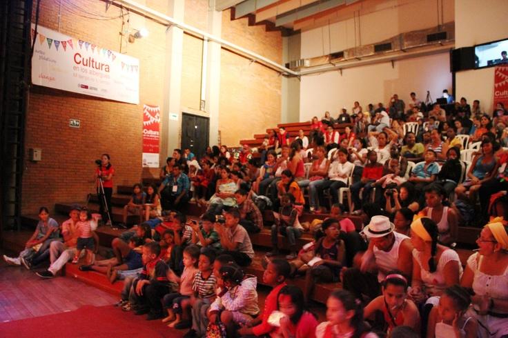 El público de la feria... Más de 250 personas