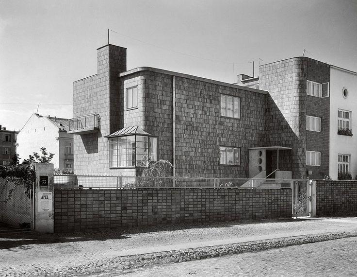 Townhouse and garden, architect Romuald Gutt, garden landscaper Alina Scholtz, 1934, 33a, Kielecka Street