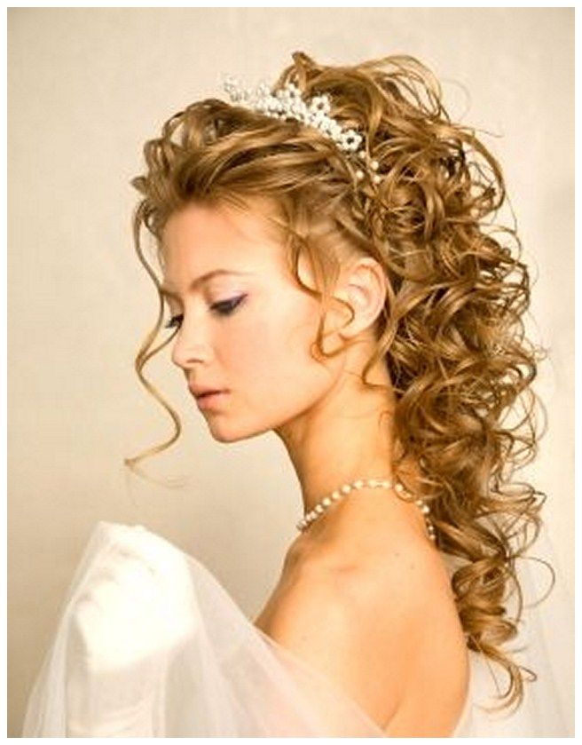 wedding hairstyles for long curly hair with veil