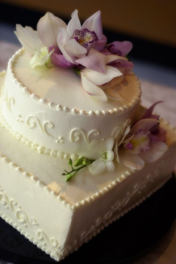 How To Stack A Wedding Cake Using Dowels