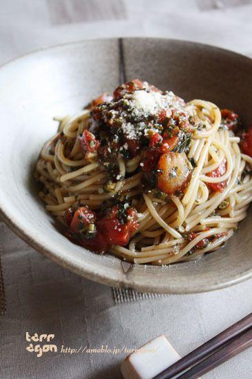 モロヘイヤとトマトのガーリックパスタ。とお料理@LEE♪