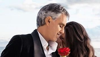 Andrea Bocelli : Ses duos avec Jennifer Lopez et Nelly Furtado