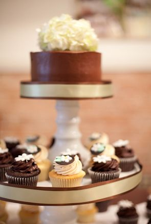 Best 25 Cupcake Tower Stand Ideas Only On Pinterest