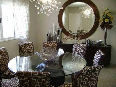 Mesa de vidro e espelho redondo