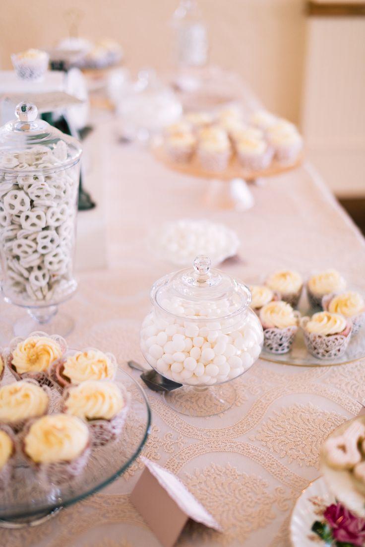 Photography: Kevin Trowbridge Photography - www.kevintrowbridge.com  Read More: http://www.stylemepretty.com/canada-weddings/2014/02/20/key-themed-wedding-at-hotel-eldorado/