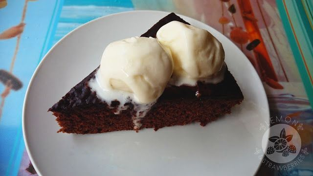 Lemon and Strawberries: Delicious brownie from my Mom's cookbook (Murzynek...