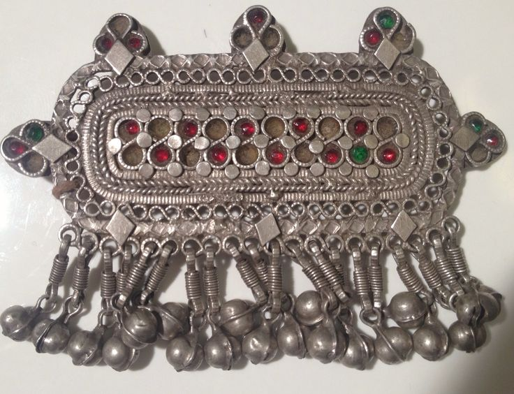 ANTIQUE TURKMEN TRIBE HAIR CLIP NAJIB JEWELLERS OFFERS CUSTOMERS A WIDE SELECTION OF SILVER JEWELLERY, ANTIQUE JEWELLERY AND BEADS FROM AROUND THE WORLD.   THIS IS OUR ONE OF A KIND SILVER HAIR CLIP  WE ONLY SELL ON ETSY PLEASE CLICK THE LINK TO SEE MORE OF OUR PIECES  https://www.etsy.com/ca/shop/NajibJewellers/about?ref=shopinfo_about_leftnav  We ship world wide we do custom orders as well as whole sale   LIKE OUR FACEBOOK PAGE > NAJIB JEWELLERS<  FOR EXCLUSIVE PROMOS AND PRODUCTS