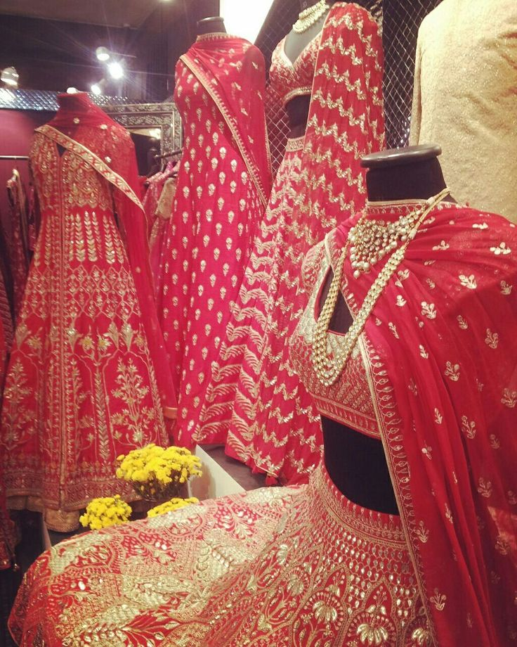 #AnitaDongre #Bridal #Couture #style #fashion #gotapatti #rajasthan #india #indian #luxury #heritage #lehenga #indianbride #jewellery #prints #embroiderey #handcrafted #handmade #weddings #vogueweddingshow #weddingday