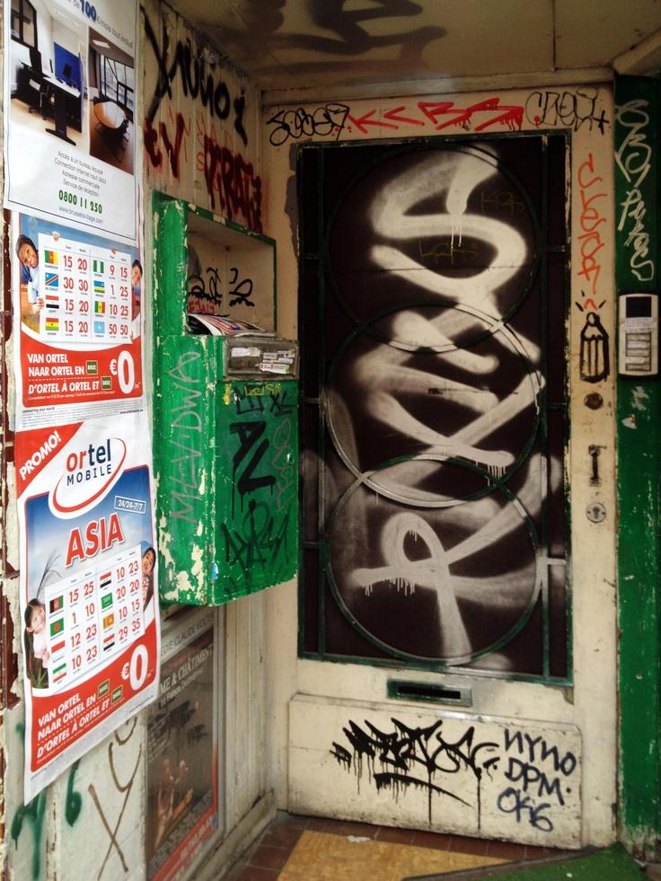 """© PdeB Depuis un an, j'ai dans l'idée de chasser le tag/graffiti """"crayon"""" dans la ville de ..."""