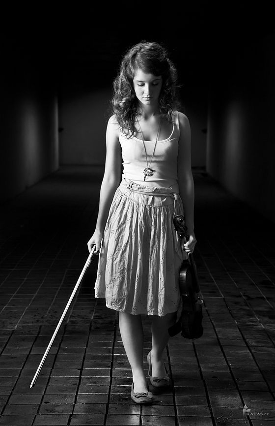 senior picture ideas for girls with violin   Violinist and Subway by Katas