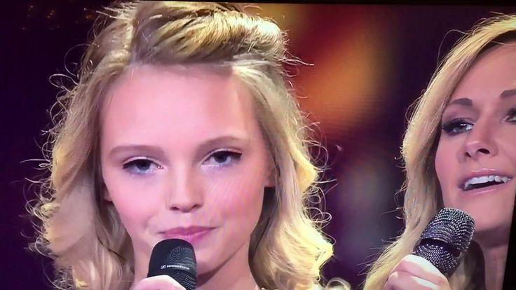 """Lina Larissa Strahl und Helene Fischer ,,Unser Tag"""" - YouTube"""