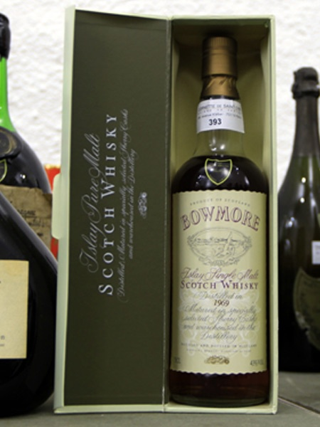 Bowmore Whisky Estimated to go for £150,000 at Bonham's Auction