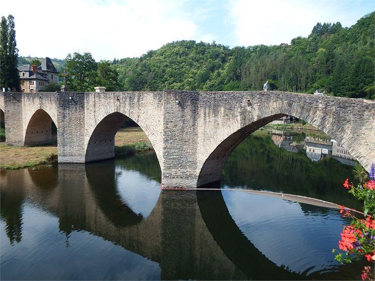 Estaing,on the River Lot, Aveyron, dept 12.