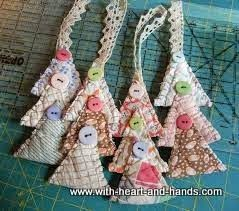 *With Heart and Hands* : Christmas Creations from Old Quilts