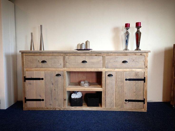 #dressoir van #steigerhout ! Perfect voor je #landelijk #interieur. #meubel #meubelsale #meubels #wood #woodwork #interior #cottage #cottageinterior