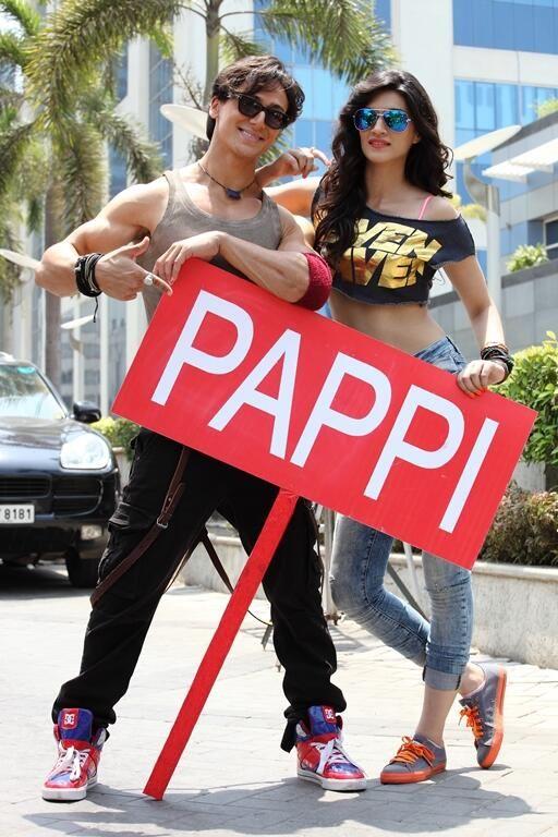 Tiger & Kirti #Heropanti #pose