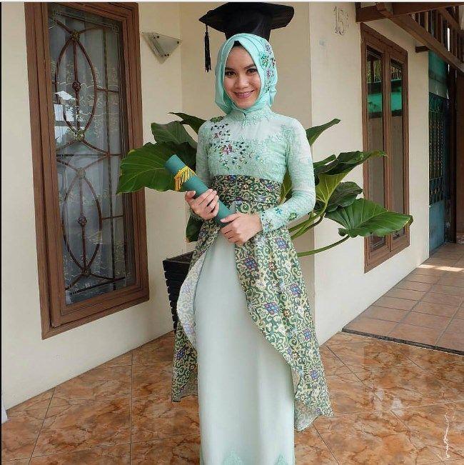 30 Contoh Model Kebaya Wisuda Muslim Terbaru 2019 Contoh Baju Kebaya