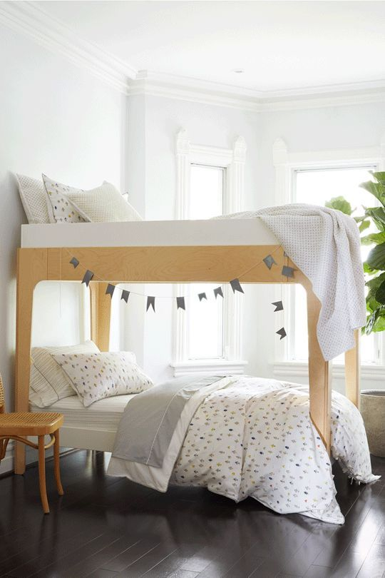 loving how our robot march bedding looks on the perch bunk bed by oeuf