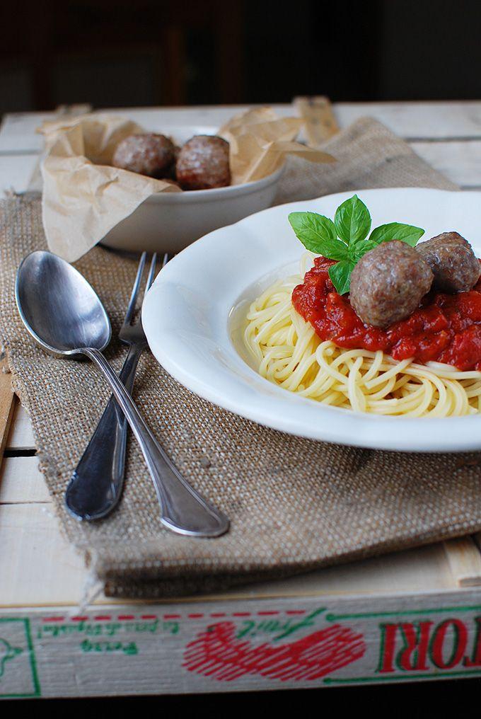 FoodLover: Špagety s masovými koulemi v rajčatové omáčce