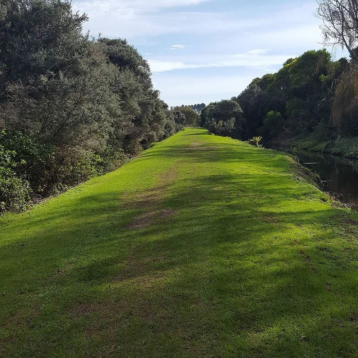 Lovely running path round #lakepertobe #warrnambool #10k #fitby40 #fitbithr by eminology