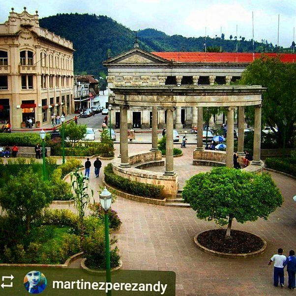 #Follow @martinezperezandy: Another view of Parque Central #Xela #Quetzaltenango #Guatemala #ILoveXela #AmoXela #Travel #Xelaju #CentralAmerica http://OkXela.com