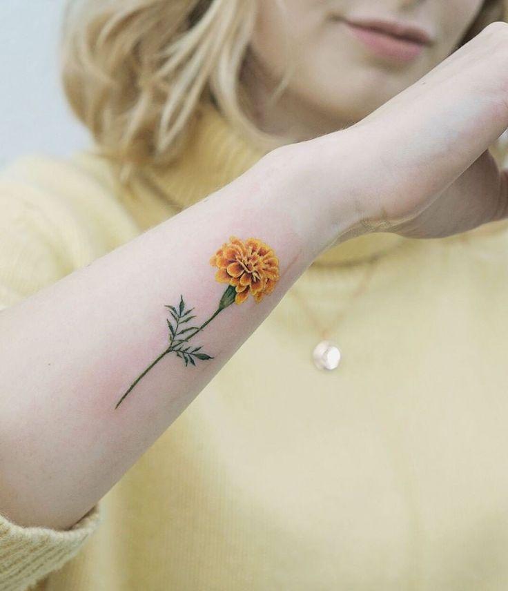 Pin em Tatuagens de rosas negras