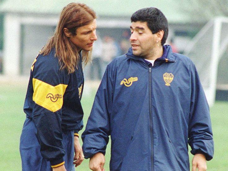 Google Image Result for http://e.imguol.com/esporte/futebol/2012/03/11/caniggia-e-maradona-treinando-juntos-no-boca-juniors-em-1995-1331435280788_1024x768.jpg