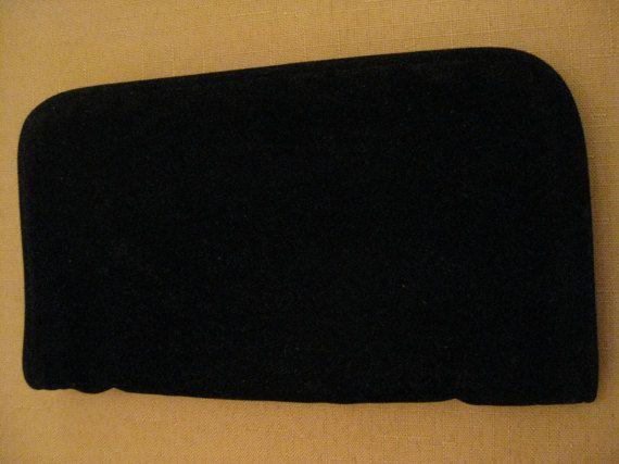 UnUsed Vintage Padded Black Velvet Jewelry by vtseredipityboutique