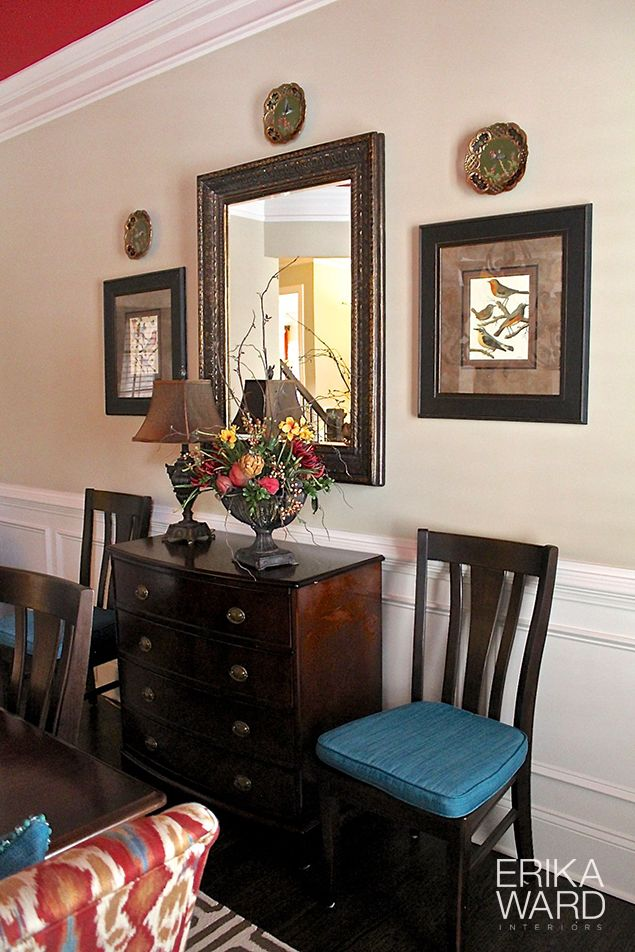 Make HomeGoods your one stop shop to accessorize your dining room! Mirror, art, a few plates and you're good to go! Bon appetit!