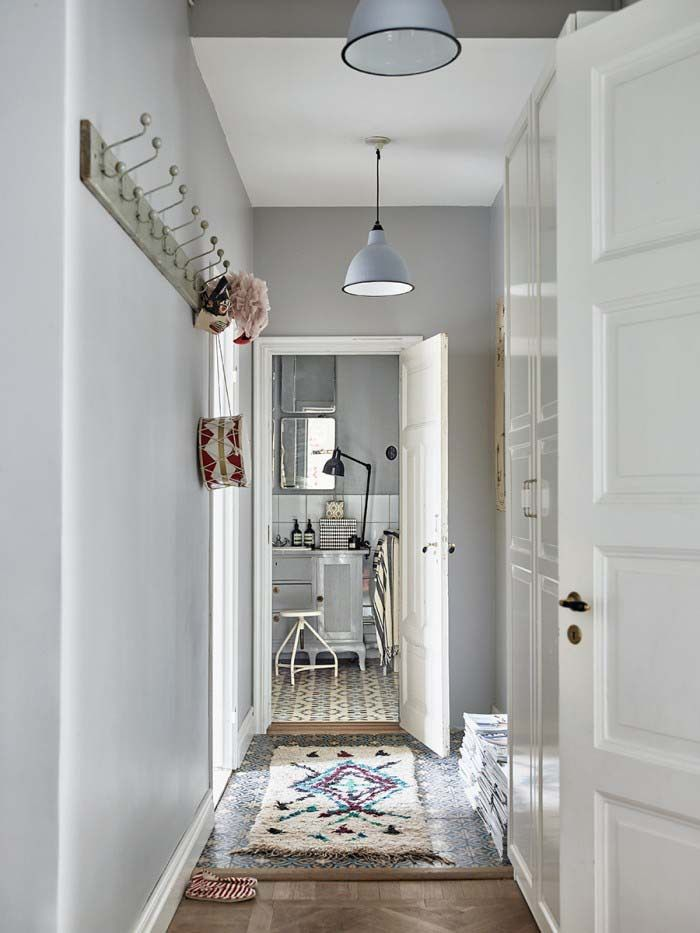 Hallway full of beautiful vintage pieces it is hard to know where to begin…It is a perfect example of Scandi meet vintage meet Boho which gives it that awesome relaxed happy vibe throughout. Unusually for me I love the colour on the walls too, I think it brings some extra depth to the vintage feel.