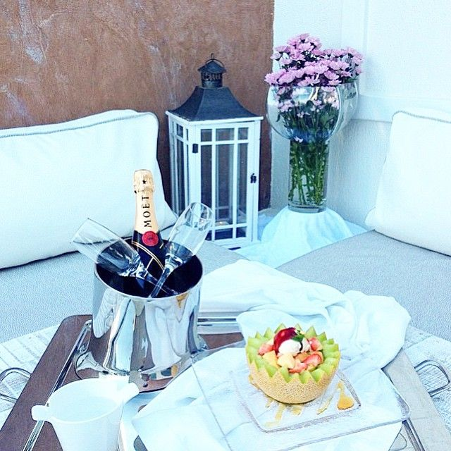 Just a welcome drink for our #honeymooners! #AstarteSuites #Santorini #Honeymoon