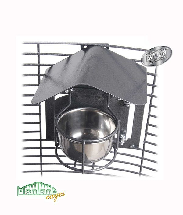 """Wir bieten Ihnen nun """"DIE Neuheit"""" aus dem Qualitätshaus MONTANA Cages - den Feeder Shield. Der Feeder Shield wird über den Futter- bzw. Wassernäpfen am Gitter des Vogelheims befestigt. So vermeiden Sie,..."""