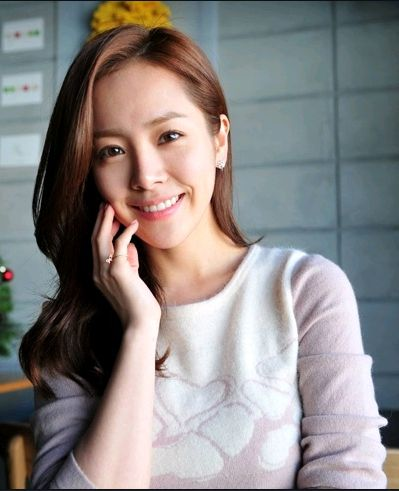 Han Ji Min. One of the most beautiful women ever. Adore her. Wish I could be that cute all the time! -Diana