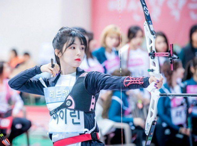 Idol Star Athletics Championship Unveils Photos Of Red Velvet And Twice Participating In The Archery Competition Red Velvet Irene Red Velvet Redvelvet Kpop