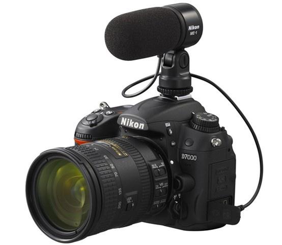 Witam w trzeciej części cyklu poświęconego filmowaniu lustrzanką. Dziś postanowiłem zebrać 10 najważniejszych i najpopularniejszych filmowych akcesoriów, w jakie można wyposażyć lustrzankę.  http://www.spidersweb.pl/2013/03/filmowanie-lustrzanka-cz-3-10-akcesoriow-prawdziwego-filmowca.html