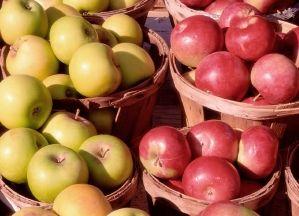Surtido de Manzanas  Este pack contiene (3 variedades):    Manzana Golden (4 piezas)  Manzana Granny Smith (4 piezas)  Manzana Gala (4 piezas)