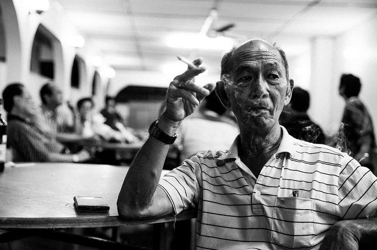 Old Smokes  @bnw_planet #bnw_planet #smoker #smoking #elderly #blackandwhite #モノクロ #黑白照 #man #dinner #party #asian #malaysia #sabah #tawau @bnwsouls #age