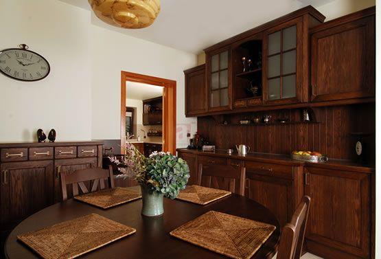 Arino House to rozwiązanie jeśli szukacie jadalni z domowym, ciepłym duchem.
