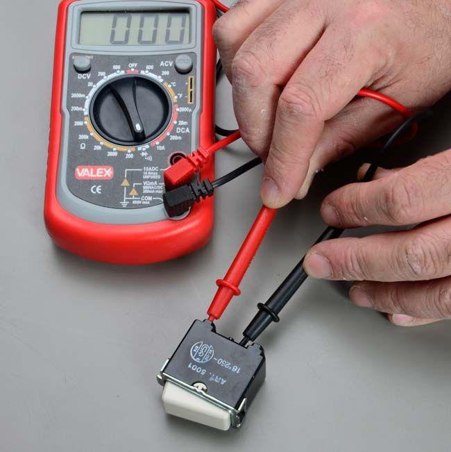 Come Usare Il Tester Elettrico Analogico E Digitale Elettricita Nel 2020 Elettricita Cablaggio Elettrico Analogico