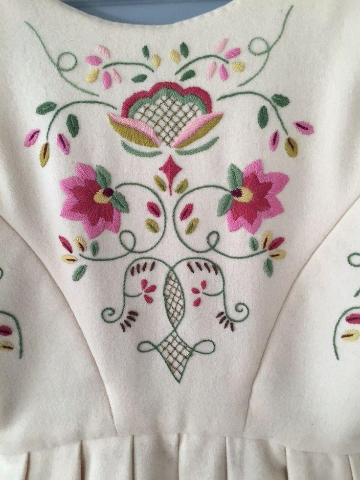 FINN – Vakker Lundeby bunad inkl. skjorte, kofte og sko