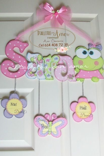 Colgante para la puerta de la maternidad. Elaboradas 100% a mano Diseños a tu elección https://www.facebook.com/pages/Detallitos-con-amor/226388200757614