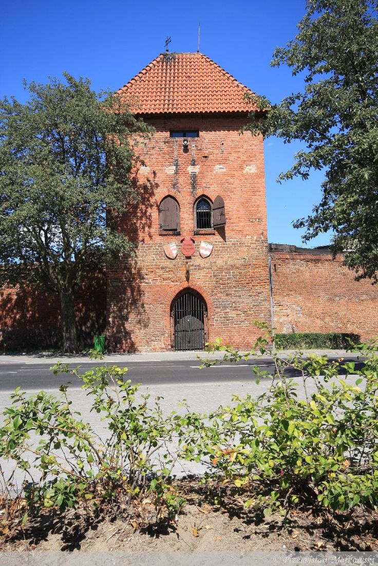 Maiden Tower, Chełmno. The tower dates back to the 13th/14th century. The 2270 meter long town walls of Chełmno remained almost in whole. They are the longest remaining defensive walls in Europe.