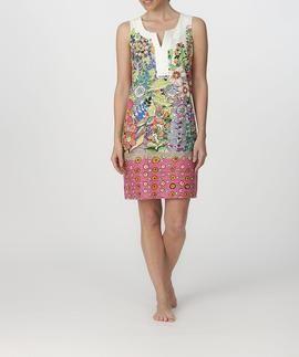 Vestido de sisas en tela 100% algodón con calados. Estampado de flores y cremallera lateral. #biquini #moda #verano #modaverano #verano2015 #lencería #sexy #tiendaonline  #descuento #descuentos #promociones